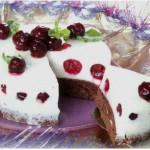 SHokoladno biskvitnyiy tort s vishnevoy nachinkoy 150x150 Шоколадно бисквитный торт с вишневой начинкой