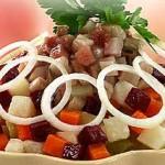 Russkiy salat s myasom i seledkoy 150x150 Русский салат с мясом и селедкой