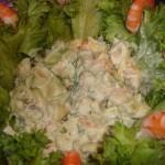 Servirovka salata na salatnyih listyah 150x150 Сервировка салатов и десертов в картинках