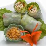 Servirovka salata v trubochkah iz kapustnyih listov 150x150 Сервировка салатов и десертов в картинках