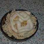 Salat s plavlenyim syirom orehami i chernoslivom 150x150 Салат с плавленым сыром, орехами и черносливом