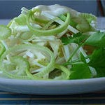 Salatik iz yablok zeleni i luka 150x150 Салатик из яблок, зелени и лука