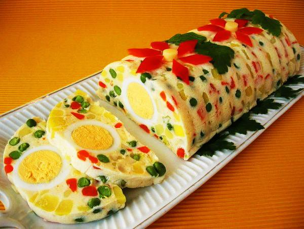 Ovoshhnoy zheleynyiy salat s yaytsami Овощной салат «Бисер»