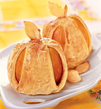 YAblochki v teste s orehami i medom Салат из свежих фруктов с орехами и медом