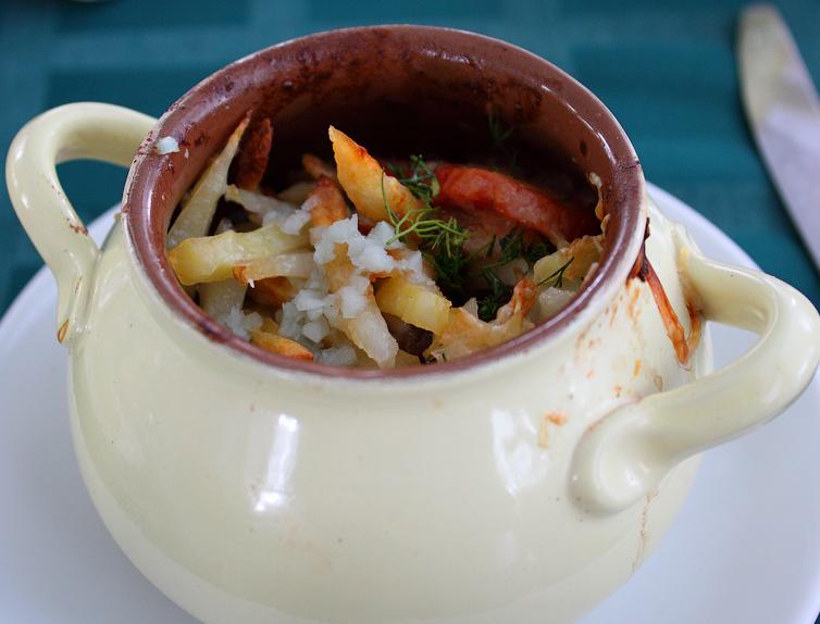 Kartofel tushennyiy s ogurtsami i pomidorami Баклажаны с помидорами и сыром