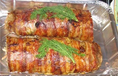Mramornyiy myasnoy pirog Мясо, шпигованное чесноком и морковью