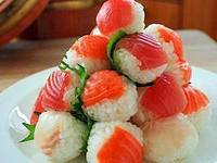 Piramida iz temari     sushi Кулинарный шедевр под названием Суши