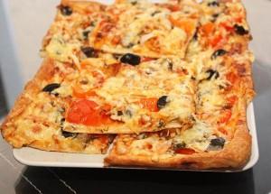 Pitstsa s buzheninoy i lecho 300x215 Пицца с буженинкой и лечо