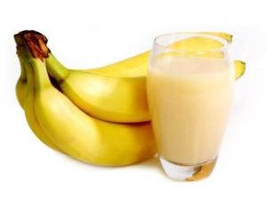 Bananovo molochnyiy kokteyl 300x225 Бананово молочный коктейль