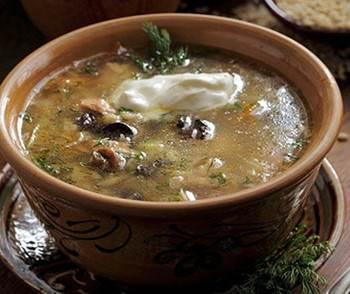 Gribnyie shhi s perlovoy krupoy Суп томатно рисовый с чесночком
