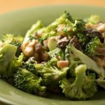 Salatik iz svezhey brokkoli s dobavleniem izyuma i oreshkov 150x150 Салатик из свежей брокколи с добавлением изюма и орешков