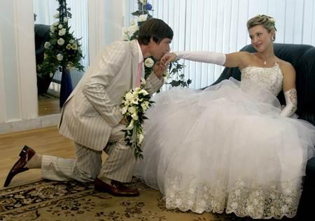 Svadebnyiy e`tiket Подготовка свадебного пира и его проведение