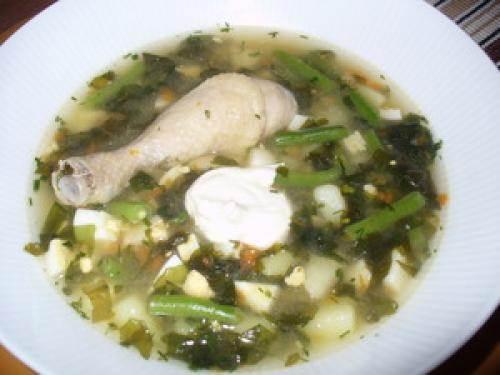 Fasolevyiy sup s yaytsom Картофельные гнезда с листовой свеклой и яйцом