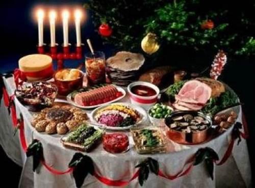 Menyu k Rozhdestvu salat Rozhdestvenskaya zvezda i buterbrodyi Bozhya korovka Меню к Рождеству   салат Рождественская звезда и бутерброды Божья коровка