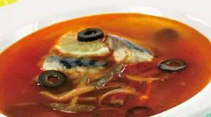 Solyanki s ryiboy ili moreproduktami Солянки с рыбой или морепродуктами