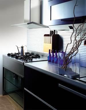 CHto pomogaet podderzhivat chistotu i poryadok na kuhne Грамотные советы по приобретению кухонной вытяжки в магазине электроники