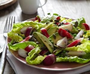 Assorti salat s redisom fenhelem i avokado Салат с плодами карамболы и авокадо