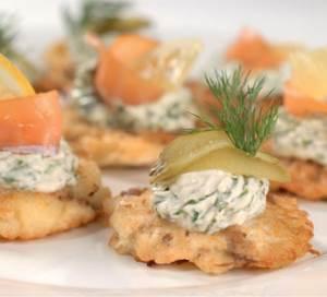 Kartofelnyie latkes s gribami Новогодняя закуска из сыра и малосольной форели