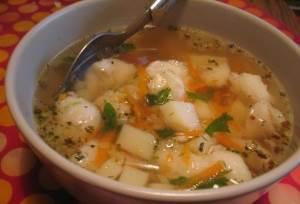 Sup s dobavleniem moreproduktov i treski Суп с добавлением морепродуктов и трески