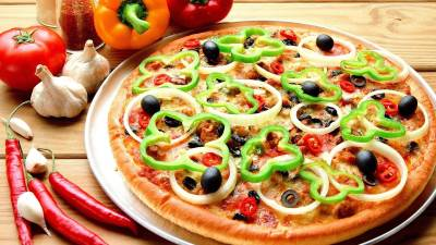 Pitstsa ponyatie pitstsyi Пицца с буженинкой и лечо