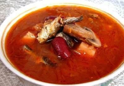 Borshh ryibnyiy iz karasikov Борщ рыбный из карасиков
