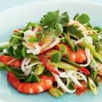 Ostryiy salat iz krevetok fasoli pertsa i yaichnoy lapshey 150x150 Суп пюре из желтой тыквы и кокосового молока