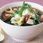 Sup iz tofu tayskiy 150x150 Острый салат из креветок, фасоли, перца и яичной лапшей