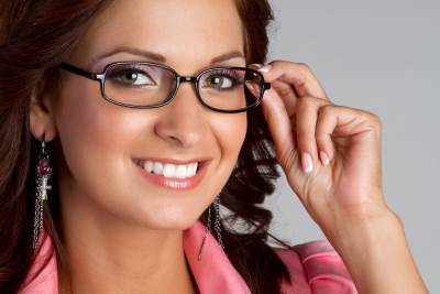 ZHenshhina v ochkah Женщина в очках