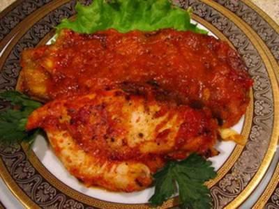 TSyiplenok pod tomatnyim sousom Цыпленок под томатным соусом