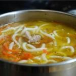 Sup iz svinogo vyimya i vetchinyi 150x150 Рулетики из ветчины и чернослива (с орехами и голубым сыром)