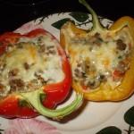 Sladkiy perets s zapechennoy kolbaskoy k zavtraku 150x150 Лепешки с мясом, овощами и сыром к завтраку