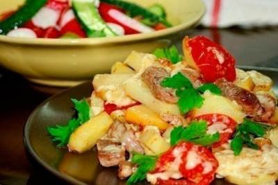 Svinina s kartofelem na skovorode Свинина с картофелем на сковороде