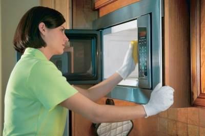 Kak pravilno ochistit mikrovolnovku naturalnyimi sredstvami Как правильно очистить микроволновку натуральными средствами
