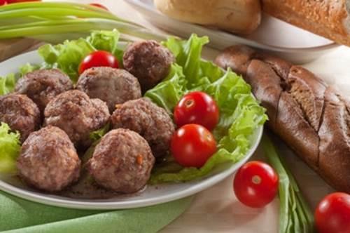 Teftelki s grechkoy i ovoshhami Тефтельки с гречкой и овощами