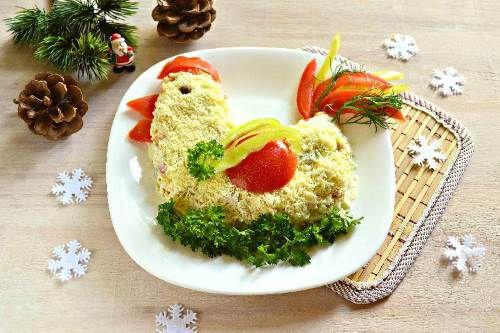 Salat   Petushok na Novyiy god   Салат «Петушок на Новый год»