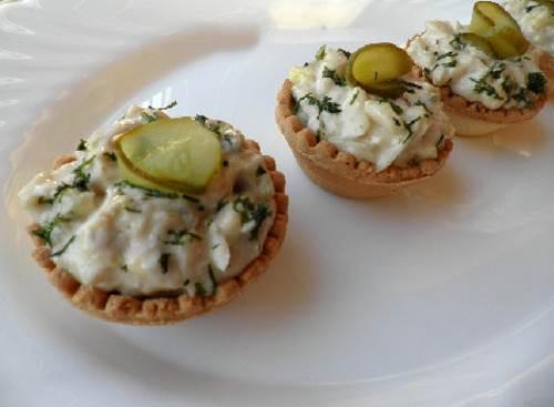 Zakuska Morskaya pechenka v korzinochkah Закуска Морская печенка в корзиночках