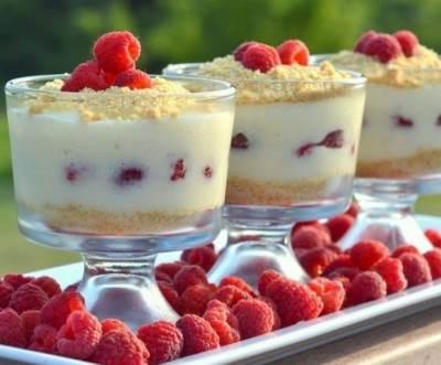 Desert bez vyipechki yagodnyiy chizkeyk Десерт без выпечки   ягодный чизкейк