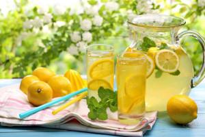 Limonno myatnyiy napitok 300x200 Лимонно мятный напиток