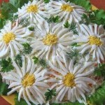 Salat sloyami s gribami Romashka 150x150 Салат с ветчиной слоями «Орхидея»