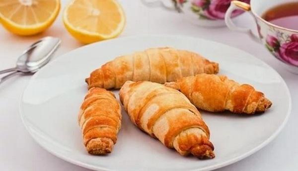Kruassanyi s shokoladom     zavtrak dlya sladkoezhki Круассаны с шоколадом – завтрак для сладкоежки