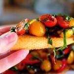 Bruskettka s bazilikom i pomidorami cherri 150x150 Креветки с помидорками