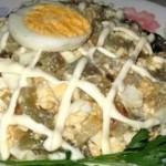 Salat Neobyichnyiy iz baklazhan 150x150 Баклажаны, фаршированные шампиньонами и зеленью