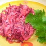 Udivitelnyiy vinegret s malosolnoy gorbushey kizhuchem 150x150 Грибной винегрет с краснокочанной капустой