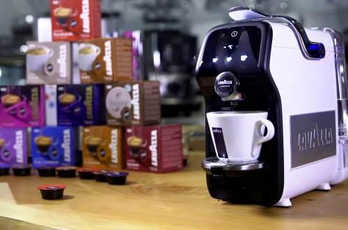 Vyibiraem kofemashinu chtobyi svarit vkusnyiy Lavazza Выбираем кофемашину, чтобы сварить вкусный Lavazza